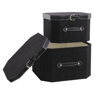 Photo VBT271S : Black cardboard and simili leather boxes