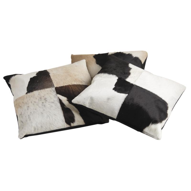 coussin carr en peau de vache noir et blanc nco1860c aubry gaspard. Black Bedroom Furniture Sets. Home Design Ideas