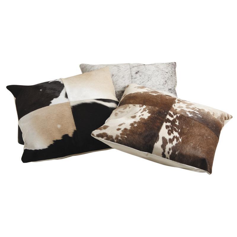 coussin carr en peau de vache marron et blanc nco1900c aubry gaspard. Black Bedroom Furniture Sets. Home Design Ideas